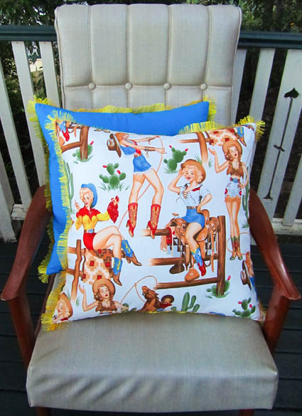 Cowgirls cushions in white