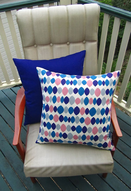 Ovals cushions in purple